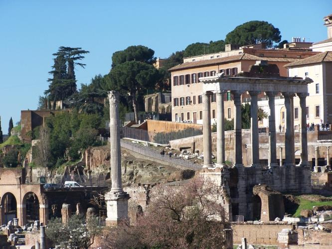 Discover the beauties of Rome and get advantage of our offers